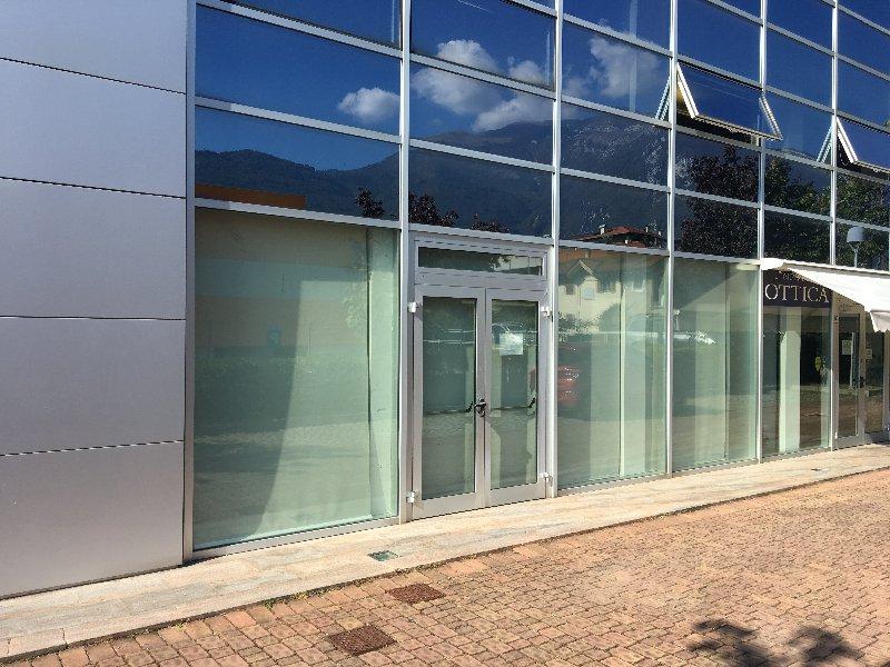 Negozio / Locale in vendita a Arco, 9999 locali, prezzo € 254.000   CambioCasa.it