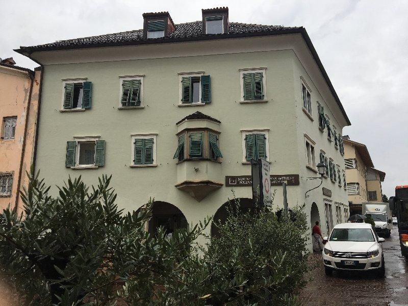 Ufficio / Studio in vendita a Egna, 9999 locali, prezzo € 312.000 | CambioCasa.it