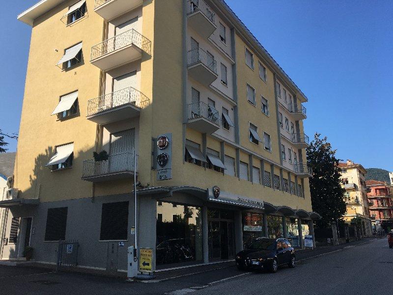 Ufficio / Studio in vendita a Valdagno, 9999 locali, prezzo € 145.000   CambioCasa.it