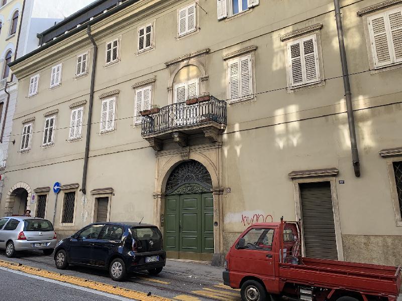 Appartamento in vendita a Trieste, 9999 locali, zona Zona: Centro, prezzo € 432.215 | CambioCasa.it