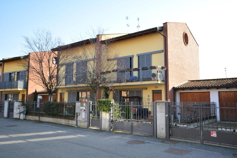 Villa a Schiera in vendita a Miradolo Terme, 9999 locali, prezzo € 127.300   CambioCasa.it